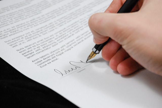 sign-pen-business-document